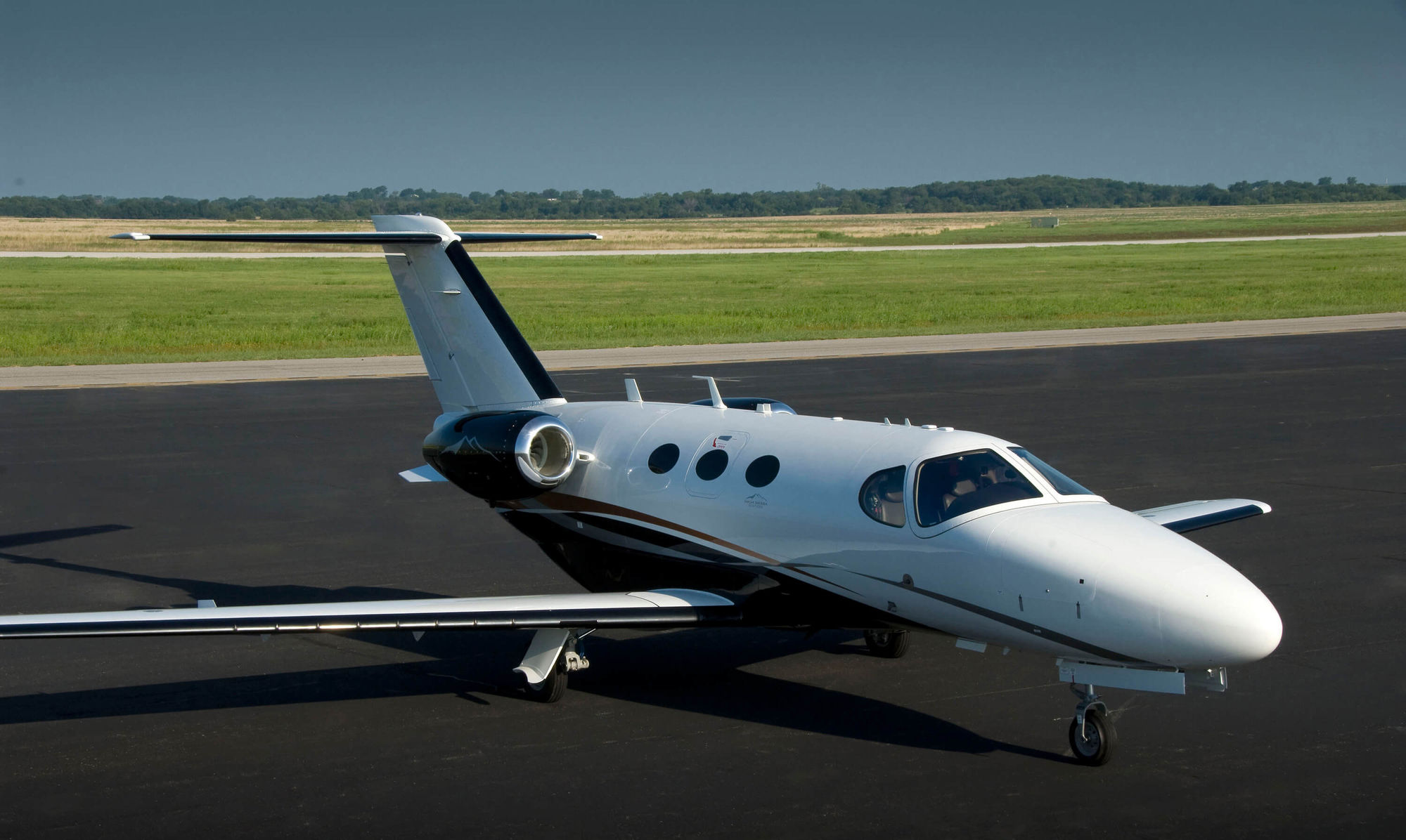 Textron Aviation Offers ADS-B Solutions for Citations, King Airs and Hawkers